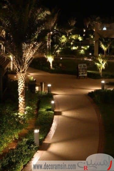 نورپردازی-مسیر-عبور-با-کف-کرمی-رنگ-در-محوطه-سازی-ویلا