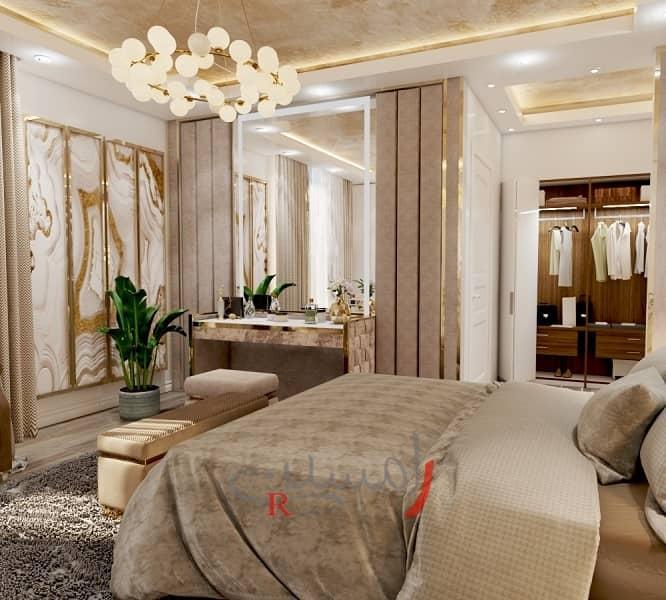 کوراسیون اتاق خواب مستر به رنگ کرمی و قاب بندی طلایی روی دیوار و استفاده از آینه در دکوراسیون اتاق خواب_new