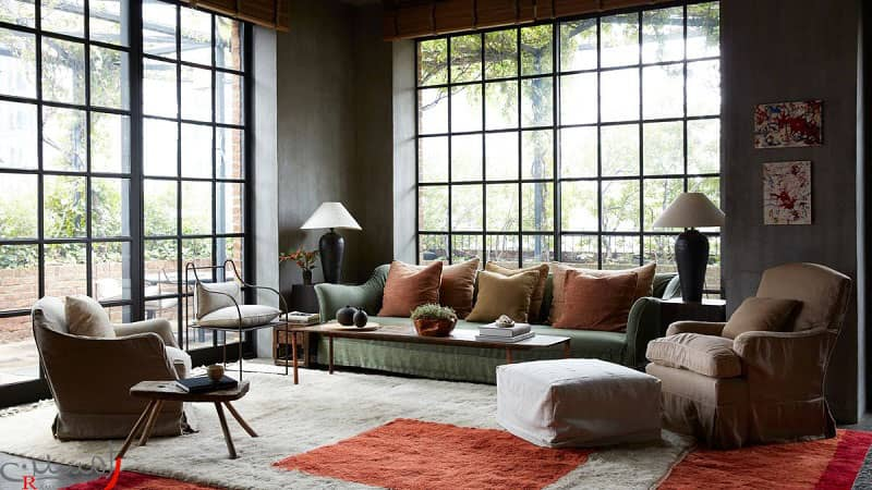دکوراسیون مدرن با پنجره شیشه ای بلند مبلمان رنگ تیره